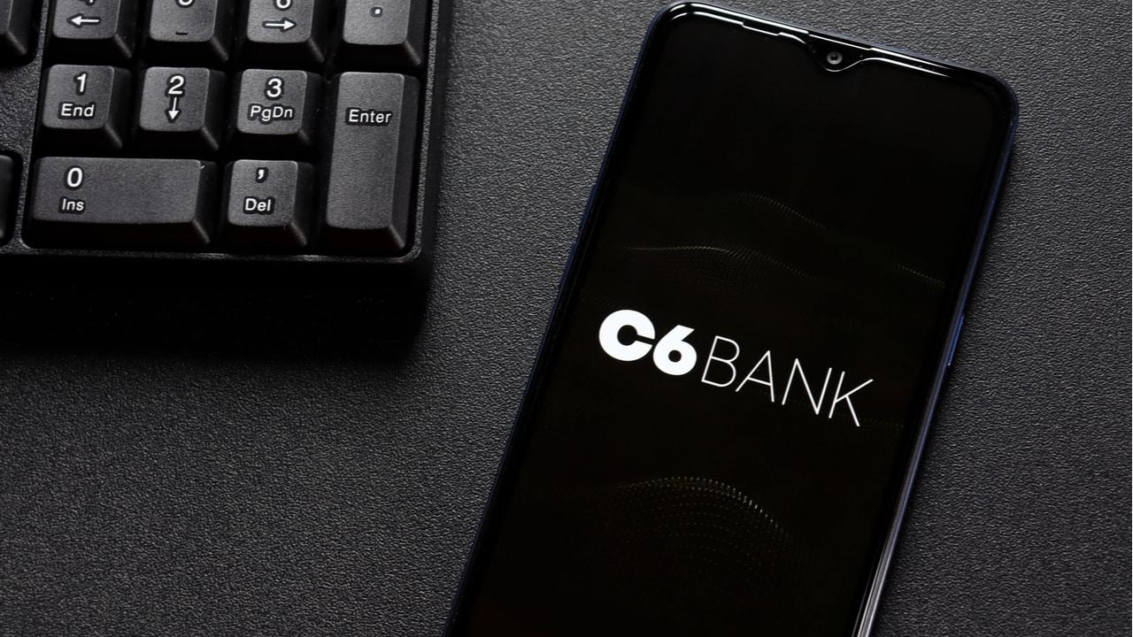 C6 Bank, banco digital, oferece conta global quem quer investir no exterior
