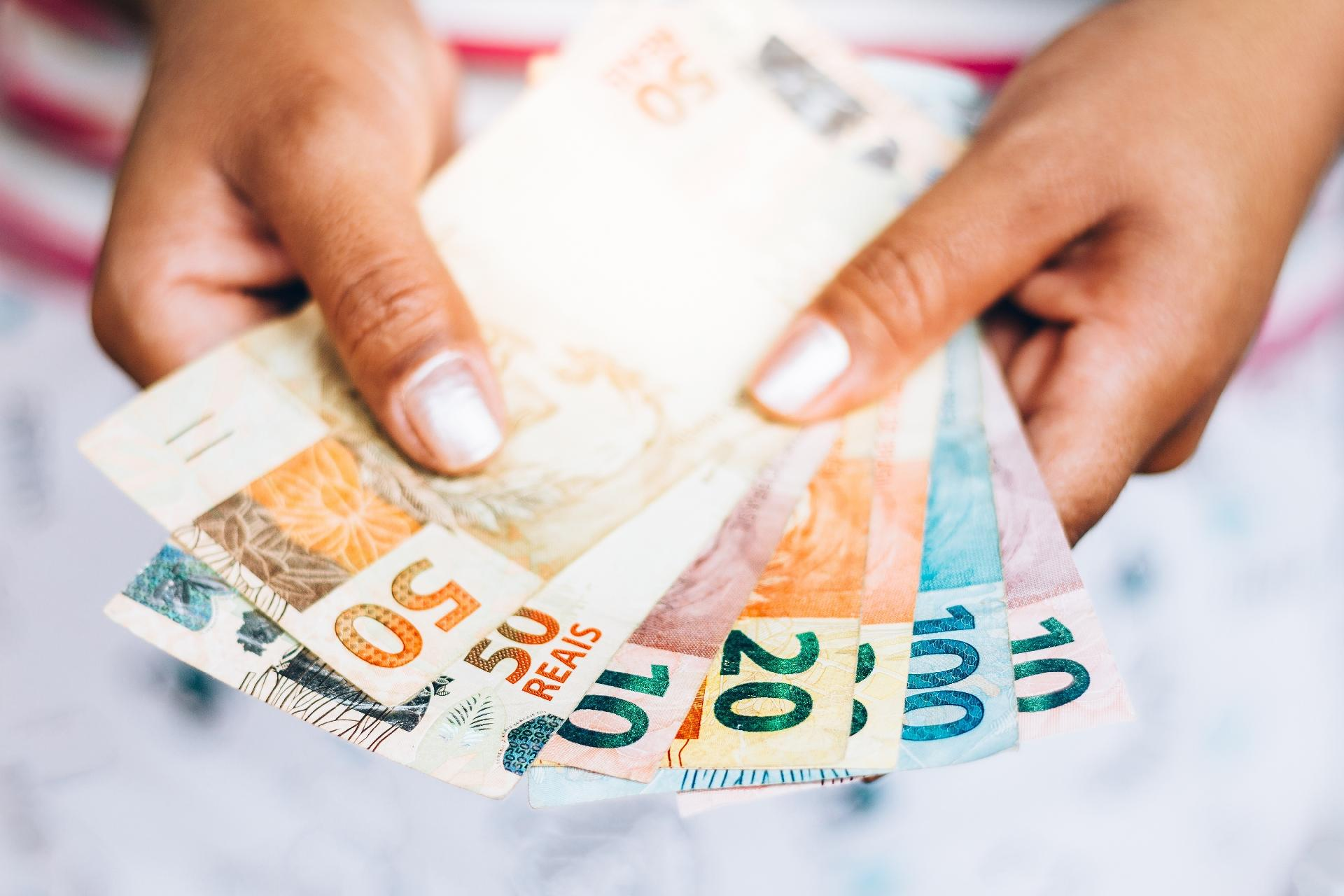 Aprenda a alcançar a estabilidade financeira e se aposentar mais cedo