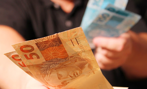 Aprenda a simular empréstimo online sem mexer no score de crédito