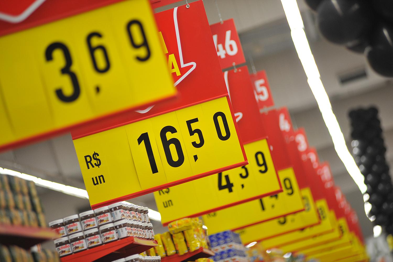 IPC-S registra inflação de 0,54% em fevereiro, o dobro da observada em janeiro