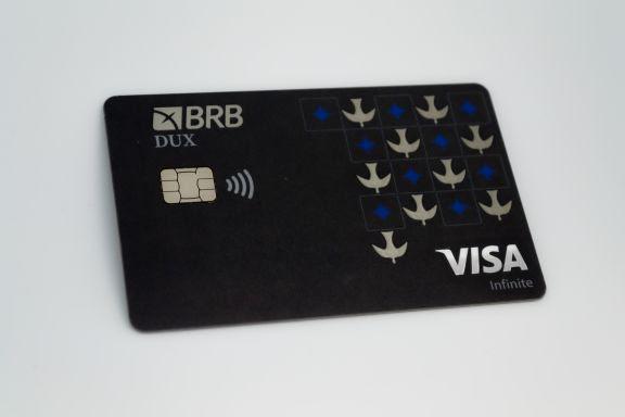 BRB (BSLI4) e Visa lançam cartão Dux para clientes alta renda