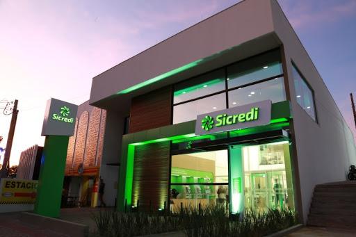 Sicredi supera R$100 bi em carteira e pretende abrir mais de 200 agências