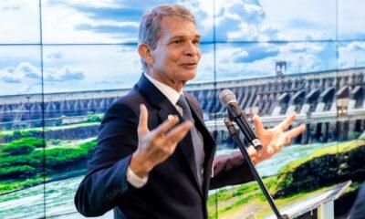 General Silva e Luna toma posse com tom ameno à frente da Petrobras