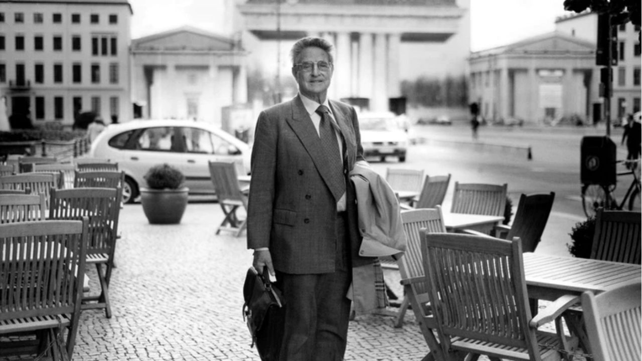 George Soros em fotografia pouco depois da Quarta-Feira Negra / Crédito: Divulgação / Open Society Foundation