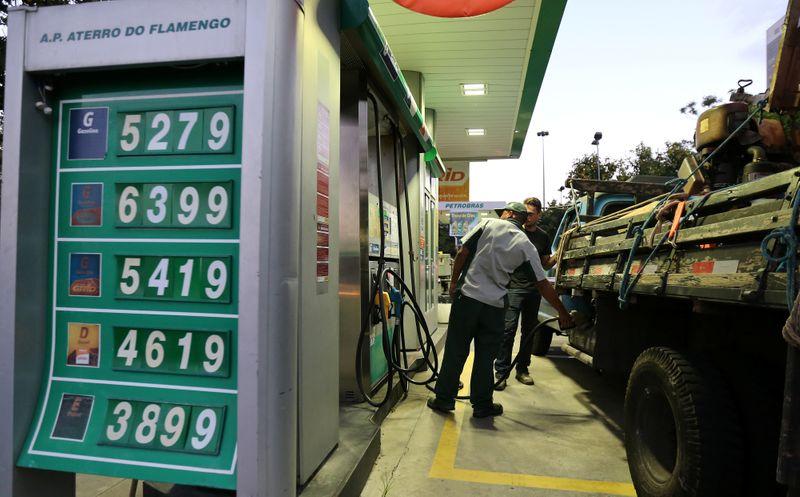 Minas Gerais começa a ficar sem combustível devido greve de tanqueiros