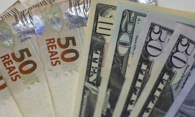Trocar moeda estrangeira por real necessita atenção constante; Será que já tá na hora?