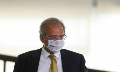 'Vacinação em massa é a melhor política fiscal, mais barata e de maior impacto', diz Guedes