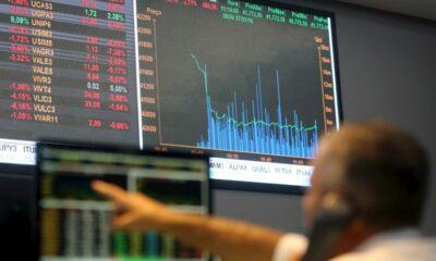 Ibovespa encerra o pregão com alta de 0,87%, aos 122.964,01 pontos